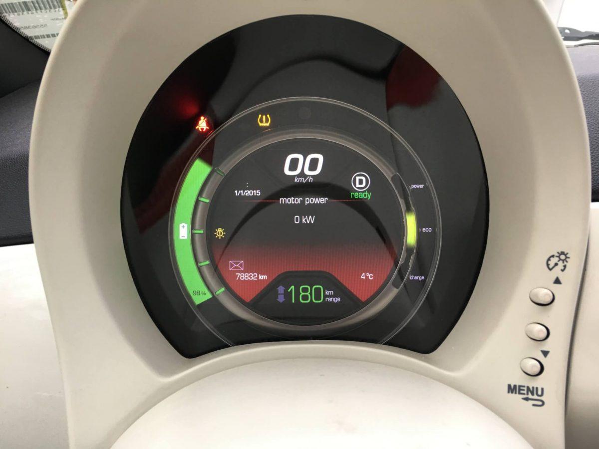 Menu zegarów Fiata 500e